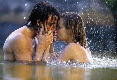 caricias+ternura+amor+pareja+lluvia+mar+amor